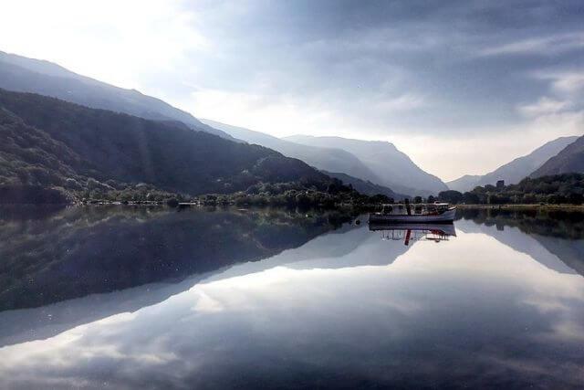winter in snowdonia, a crisp winter lake