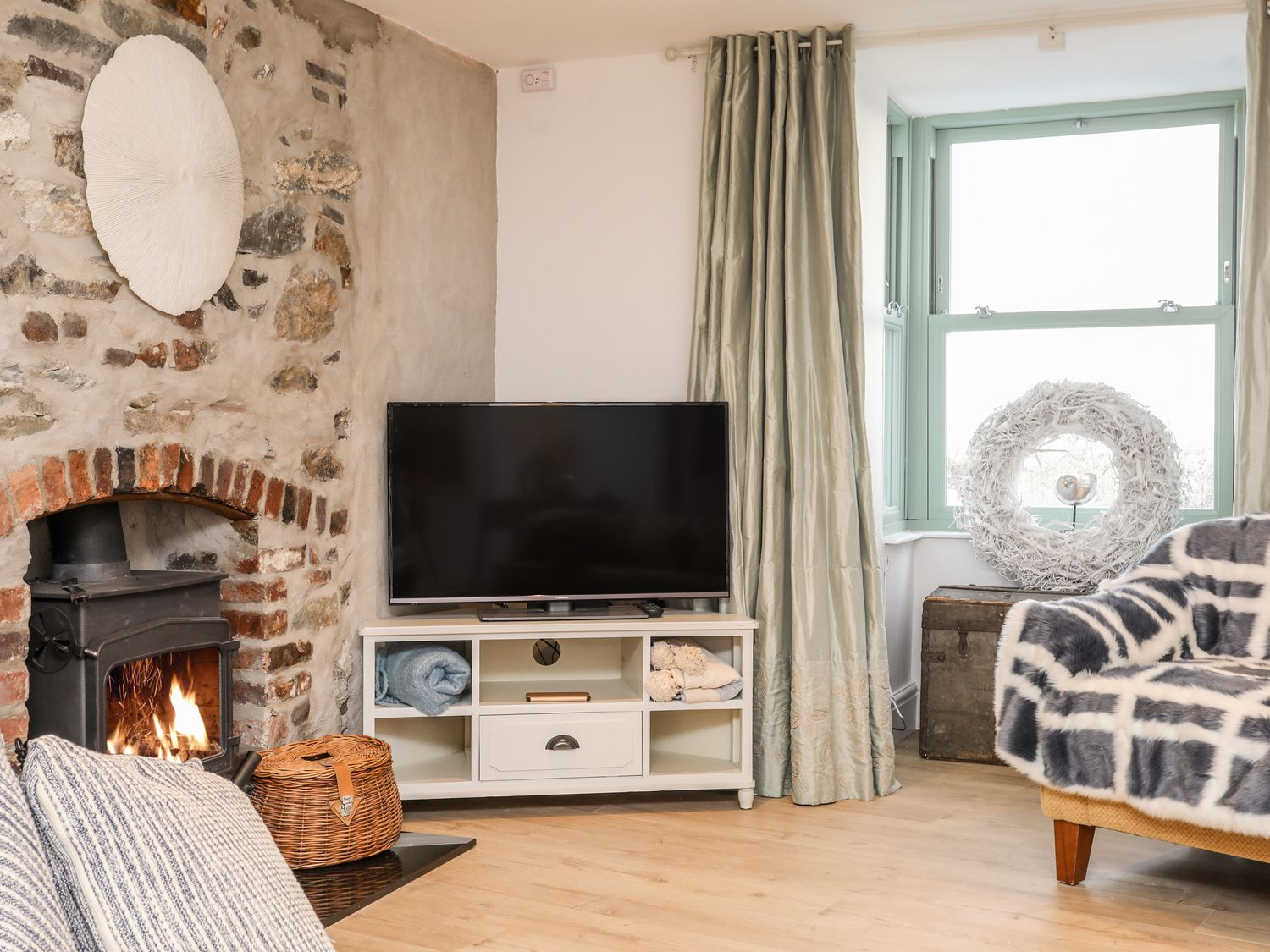 Ty Ar Ben Bryn | Holiday Cottage | Menai Holiday Cottages