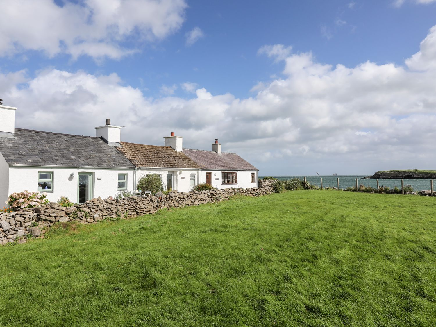 Minnehaha | North Wales Holiday Cottages | Menai Holiday Cottages