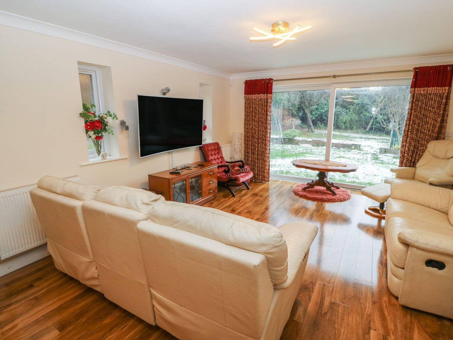 11 Queens Drive | Holiday Cottages in Conwy | North Wales