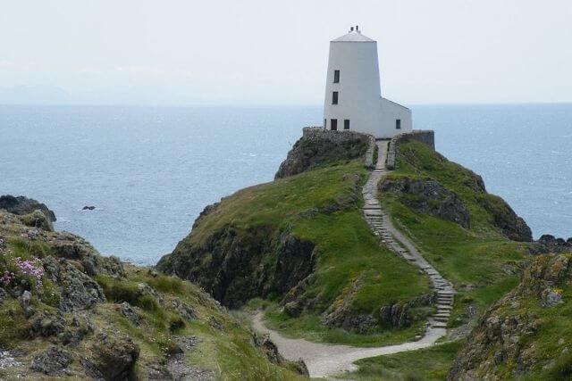 Tŵr Mawr Lighthouse on Llanddwyn island