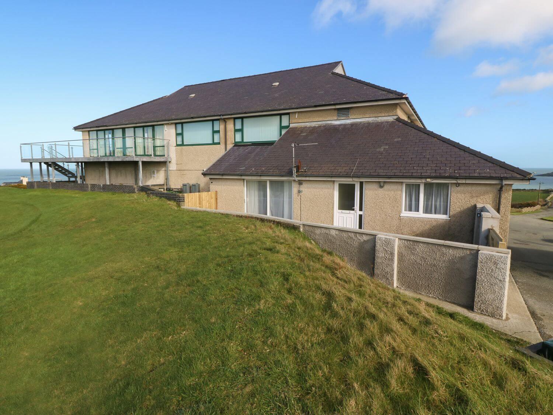 Eithin Aur | Wales Holiday Cottages | Menai Holiday Cottages
