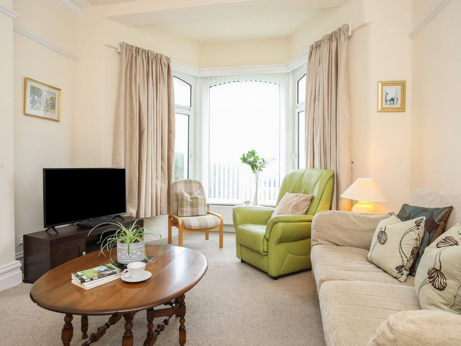 Bella Vista | Wales Holiday Cottages | Menai Holiday Cottages