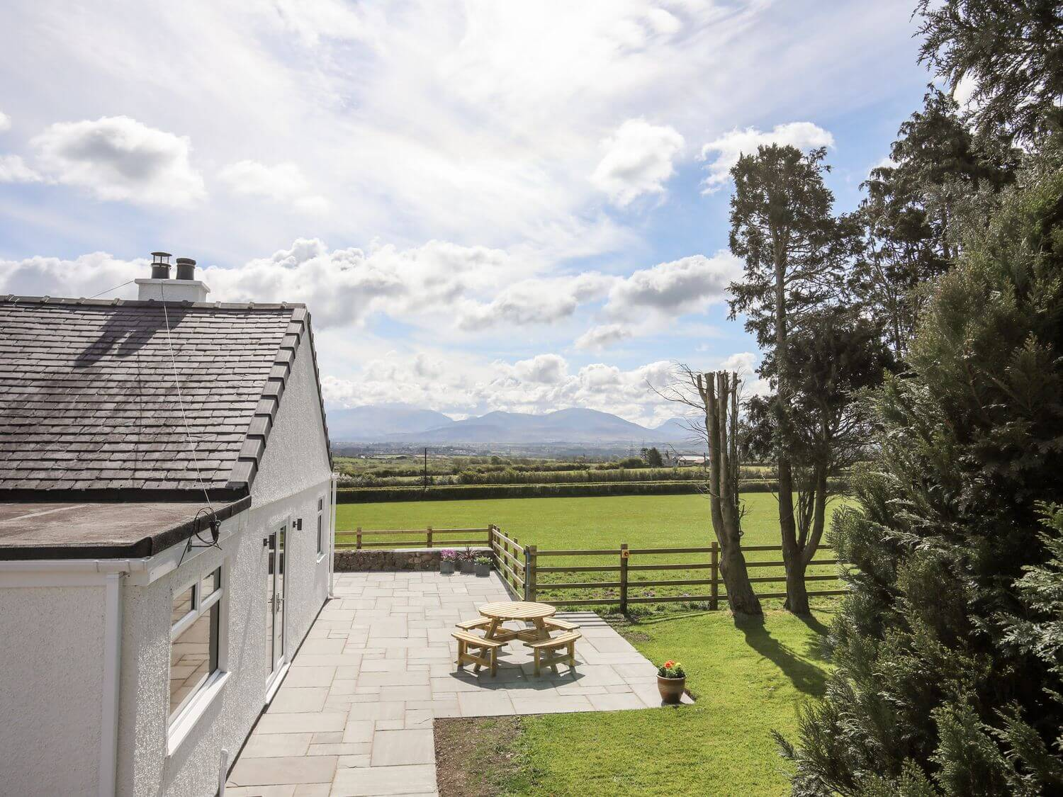 Mynydd Mwyn | Anglesey Holiday Lettings | Menai Holiday Cottages