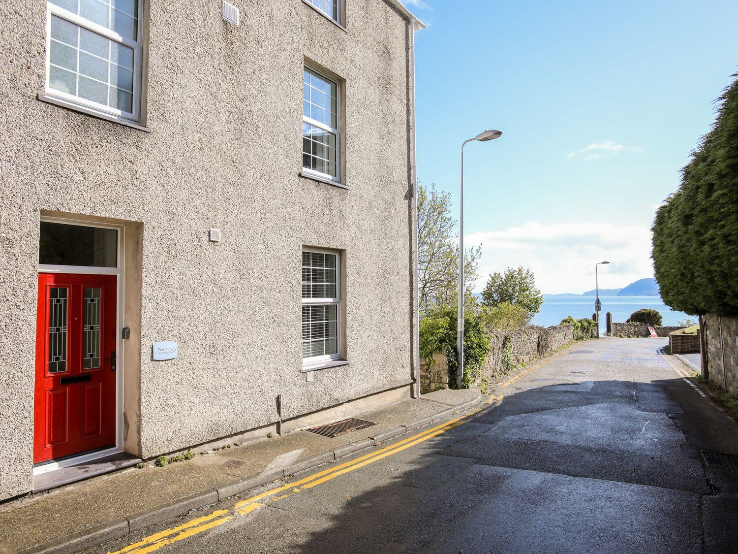 Pier View, 1 Garth Terrace Holiday Cottage in Bangor, North Wales & Snowdonia