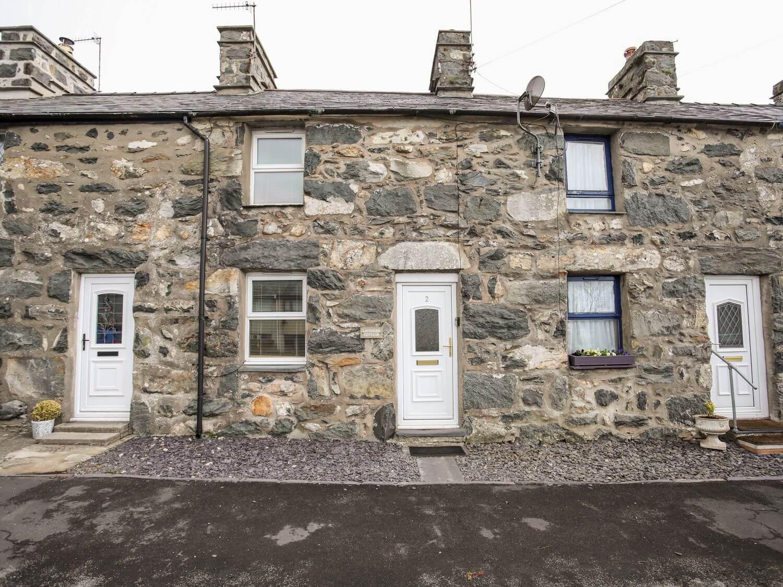 Lavender Cottage in Garndolbenmaen near Tremadog, North Wales & Snowdonia