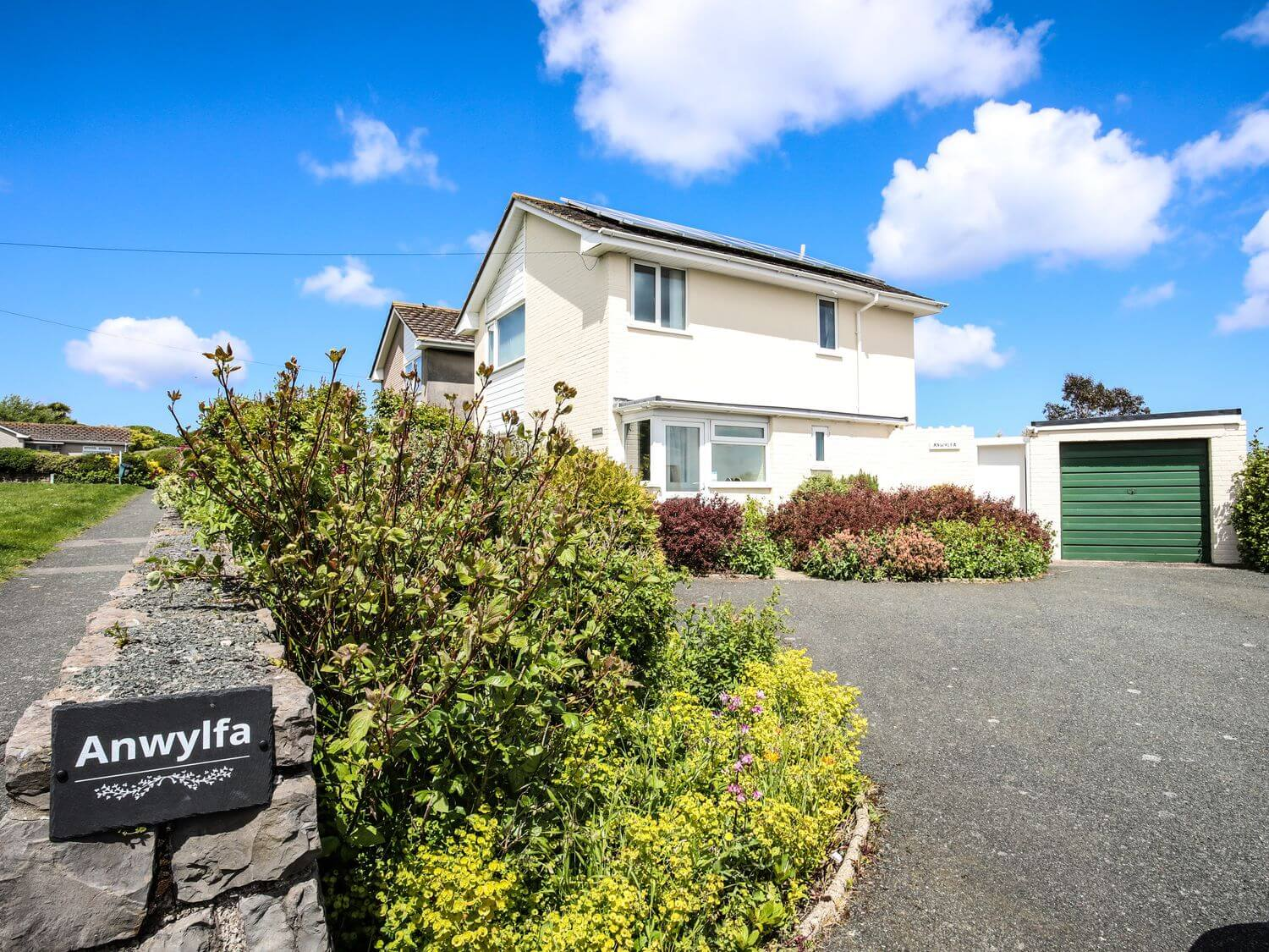 Anwylfa Holiday Cottage in Moelfre, Anglesey