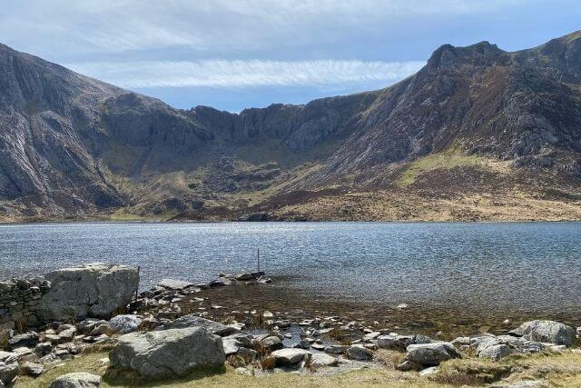 Llyn Idwal with mountains in background