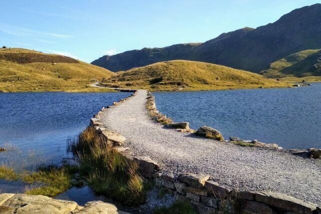 The miners path crossing Llyn Llydaw