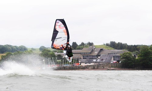 Kitesurfing in North Wales